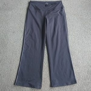 Fila Women Capri Yoga Pants Size M Gray